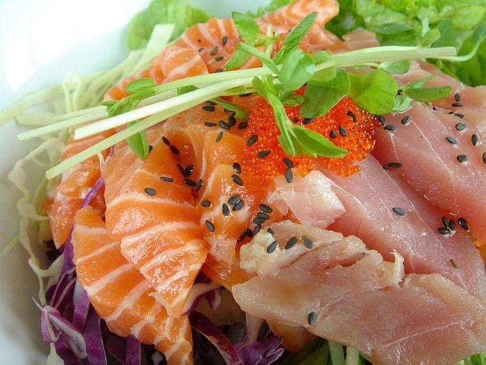 Салат столичный с рыбой замечательный салат столичный, приготовленный с рыбой, украсит любой ваш праздник и непременно будет оценен собравшимися по достоинству.