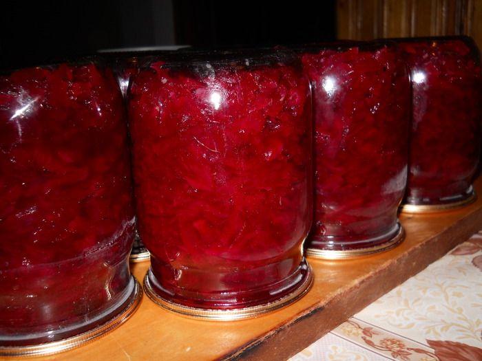 Заготовки на зиму из свеклы с помидорами