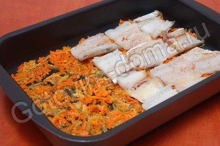 Кета запеченная в духовке с морковью и луком рецепт